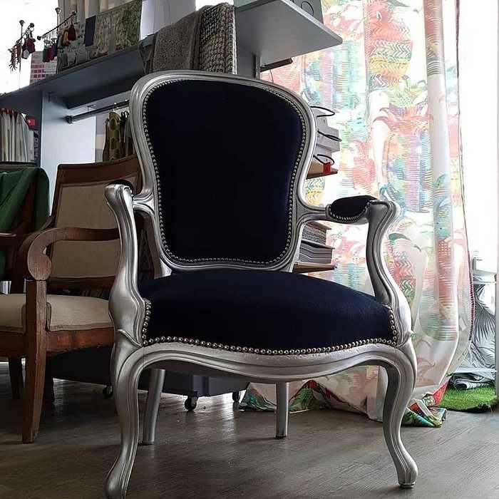 Restauration d''un siège d''époque dans notre atelier - Côtes d''Armor 0