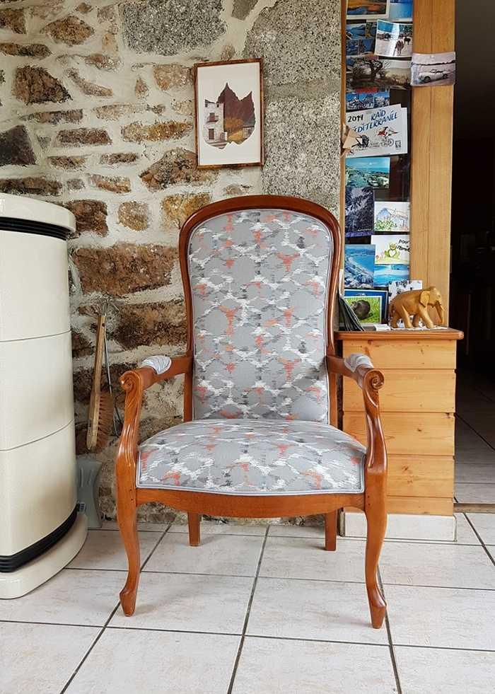 Restauration pour cette paire de fauteuils VOLTAIRE 0